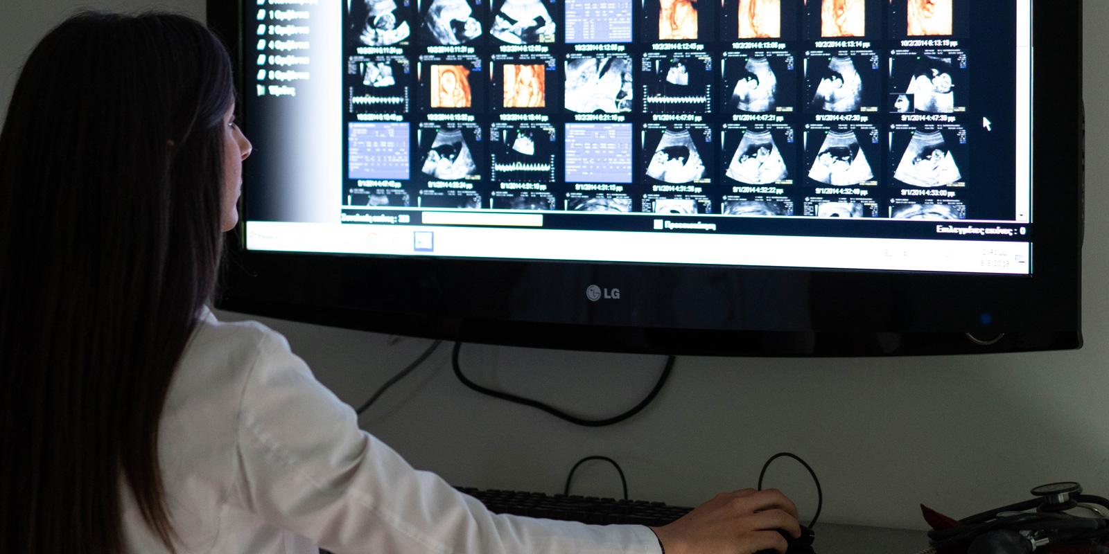 Γυναικολογικό Ιατρείο - Περικλής Καλκάκος - Μαιευτήρας - Χειρούργος Γυναικολόγος